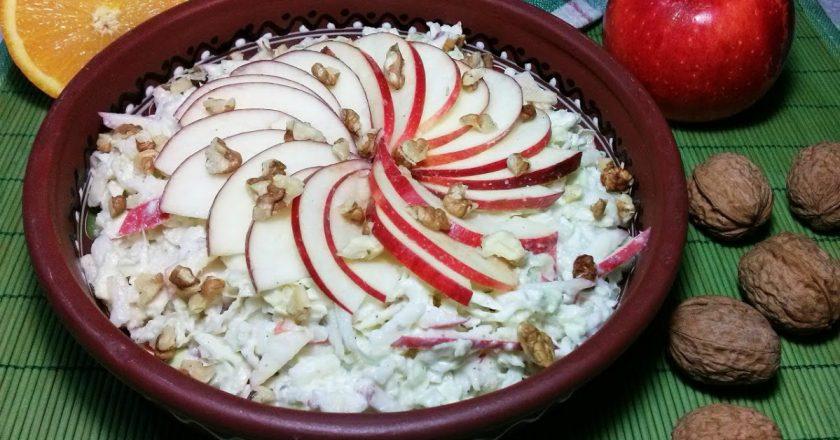 Салат з пекінської капусти з яблуком подивитися рецепт