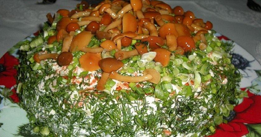 Пісний салат з грибами подивитися рецепт