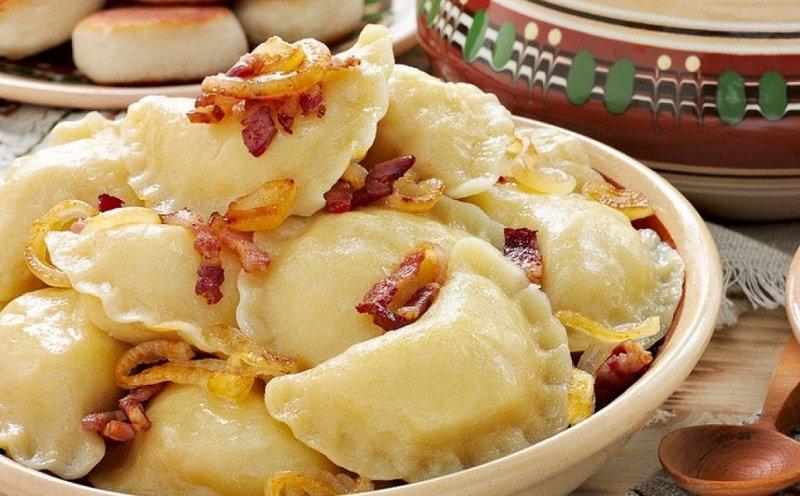 Вареники з сирим картоплею