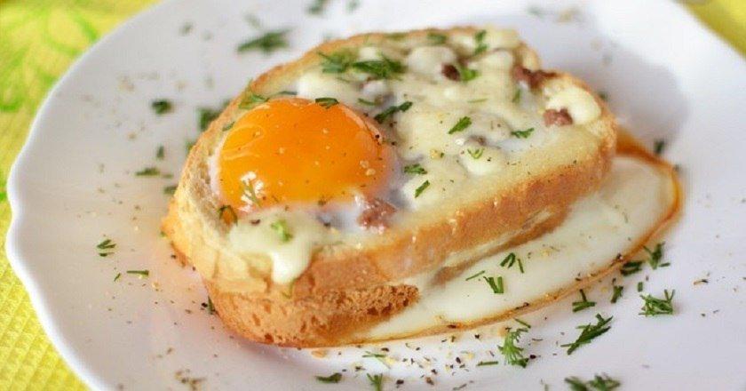 Гарячі бутерброди з яйцем і ковбасою подивитися рецепт