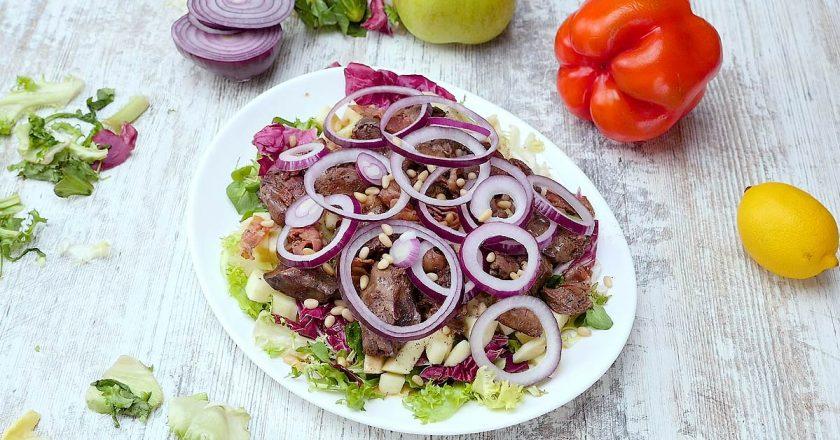 Салат з курячою печінкою і яблуками подивитися рецепт