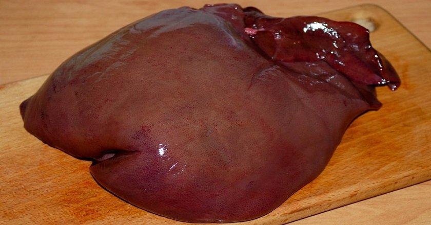 Рулет зі свинячої печінки подивитися рецепт