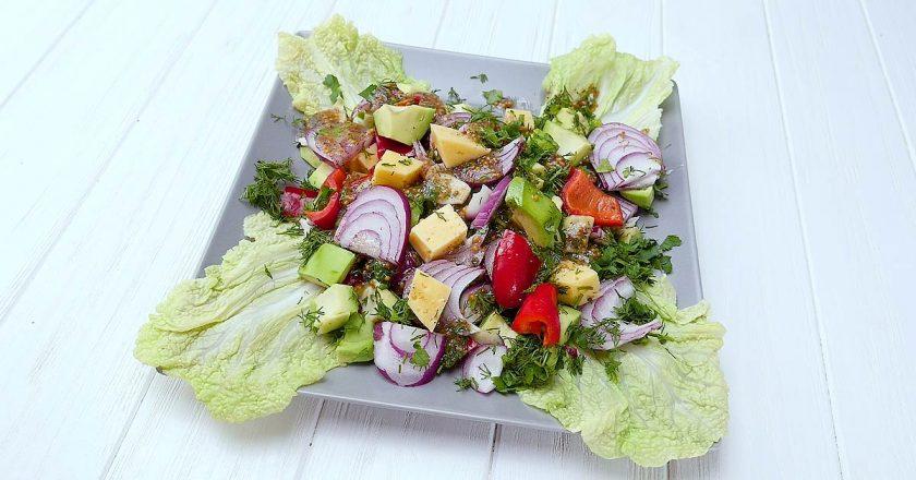 Салат з авокадо подивитися рецепт