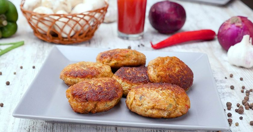 Курячі котлети з капустою як приготувати, покрокові рецепти від «Це Смак»