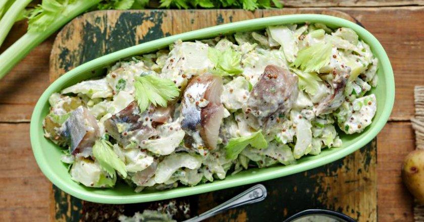 Салат зі скумбрії з картоплею подивитися рецепт