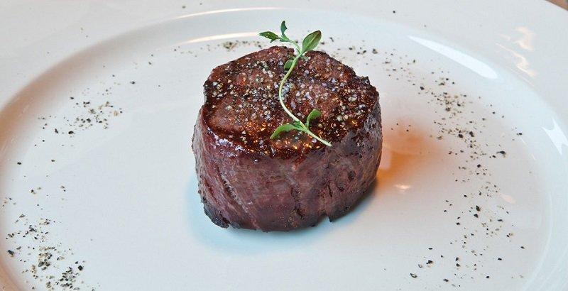 Стейки з яловичини