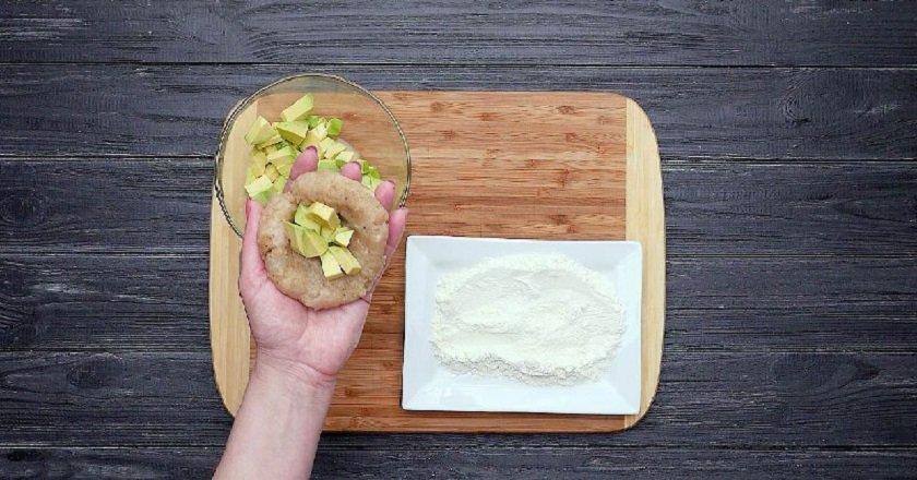 Курячі зрази з авокадо подивитися рецепт