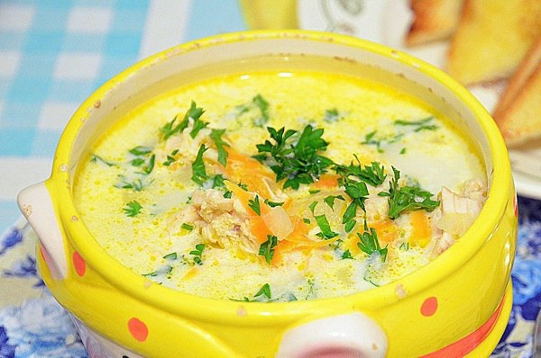 Низькокалорійний сирний суп