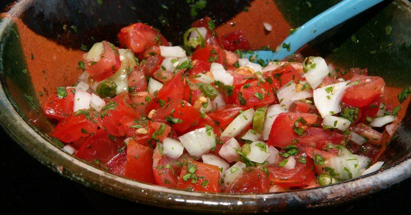Мексиканська сальса «Піко-де-гайо» подивитися рецепт