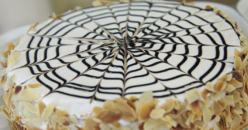 Торт «Естерхазі» як приготувати, покрокові рецепти від «Це Смак»