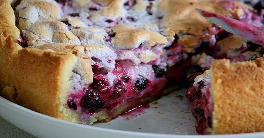 Відкритий пиріг з ягодами подивитися рецепт