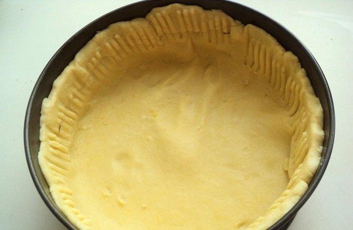 Відкритий пиріг з ягодами