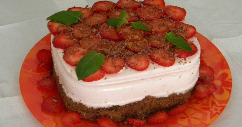 Десерт з полуницею подивитися рецепт