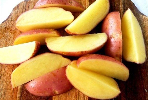 Молода картопля по-селянськи