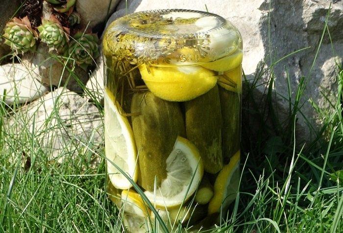 Огірки з лимоном