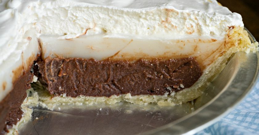 Шоколадно-кокосовий гавайський пиріг подивитися рецепт
