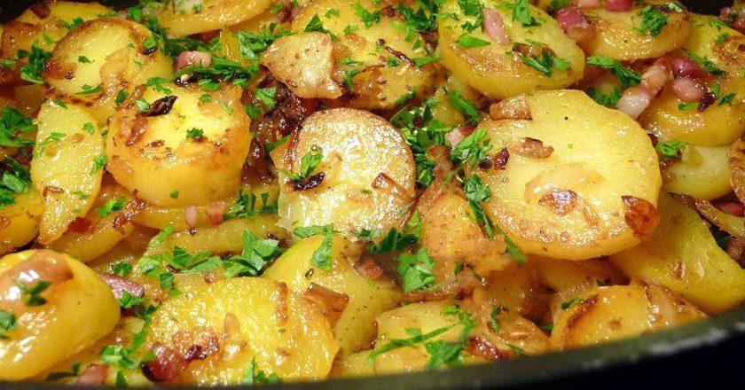Смажена картопля з беконом подивитися рецепт
