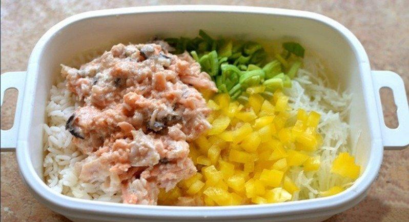 Рибний салат в їстівних кошиках