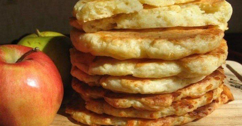 Фінські сирно-яблучні коржі подивитися рецепт