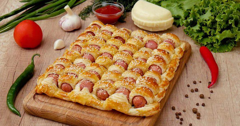 Як приготувати пиріг з сосисками подивитися рецепт