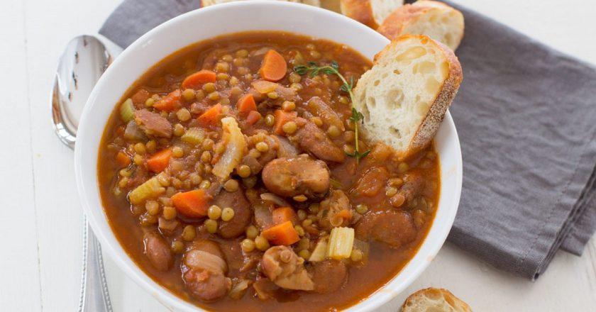 Суп з квасолею і сочевицею подивитися рецепт