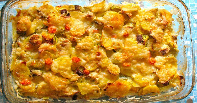 Картопляна запіканка з пореєм подивитися рецепт