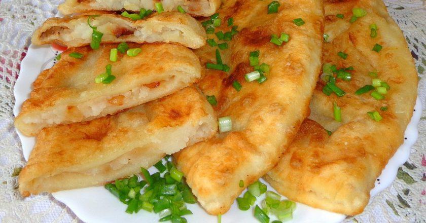 Чебуреки з картоплею подивитися рецепт