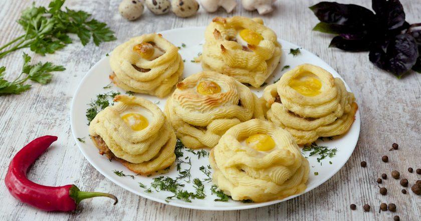 Як приготувати картопляні гнізда з котлетами подивитися рецепт