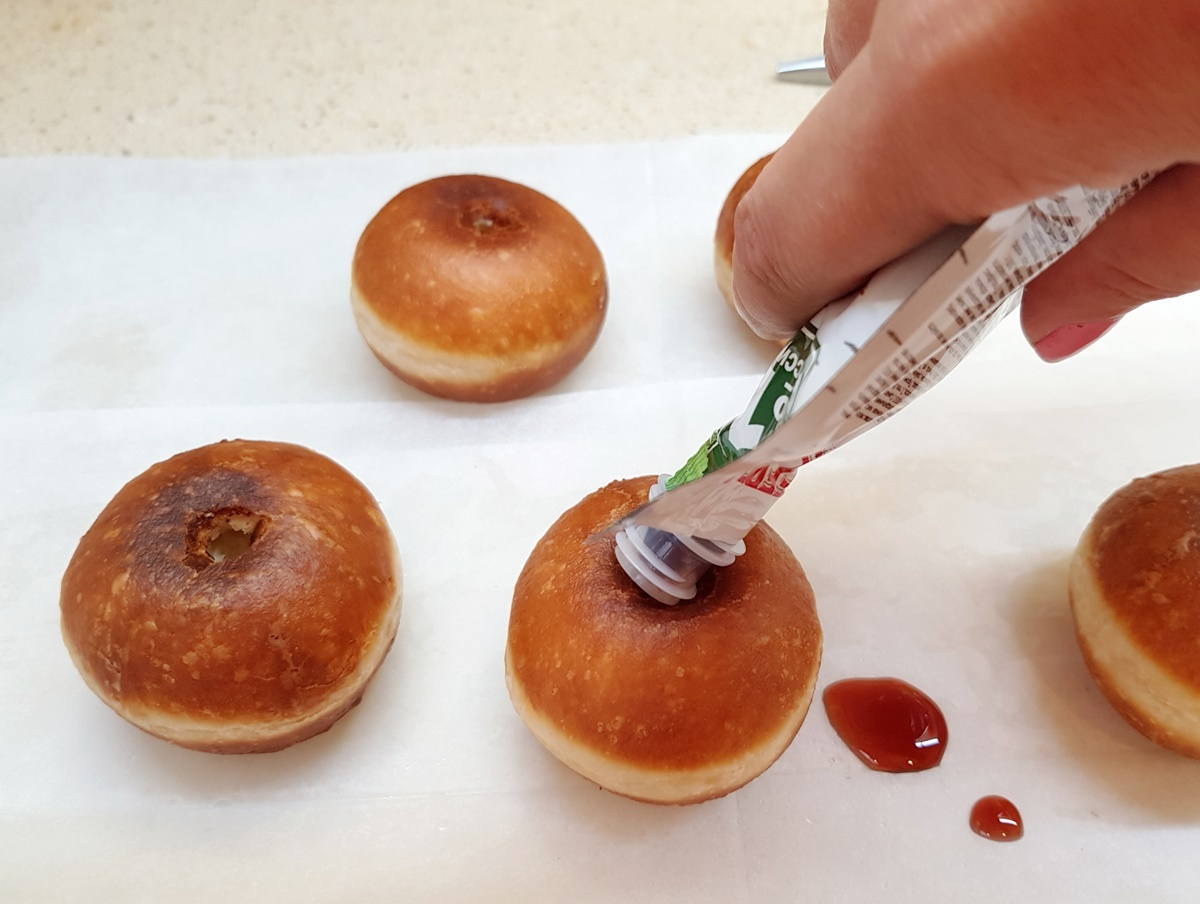 Смажені пончики