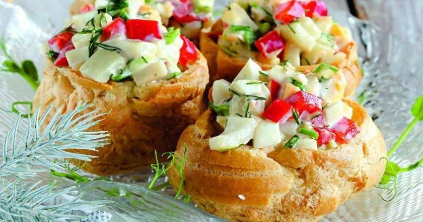 Салат з кальмарами подивитися рецепт