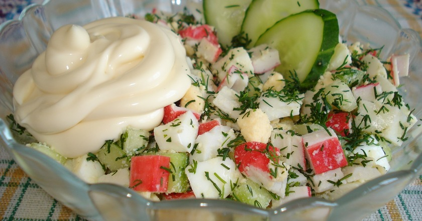 Крабовий салат з селерою подивитися рецепт