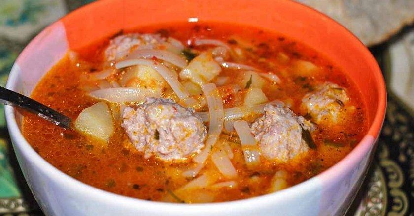 Томатний суп з фрикадельками подивитися рецепт