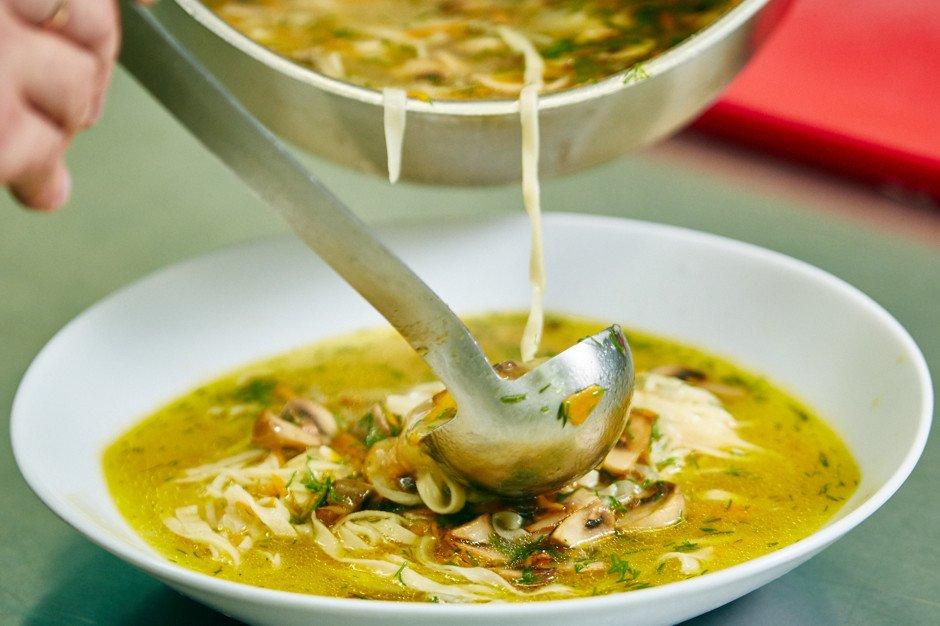 Грибний суп з локшиною