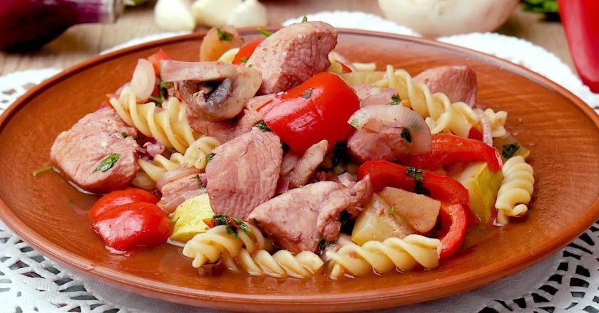 Як приготувати рагу з макаронами подивитися рецепт