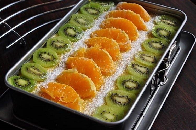 Пісне тістечко з фруктами