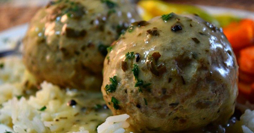 Фрикадельки без м'яса в соусі подивитися рецепт
