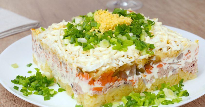 Як приготувати салат з тунцем подивитися рецепт