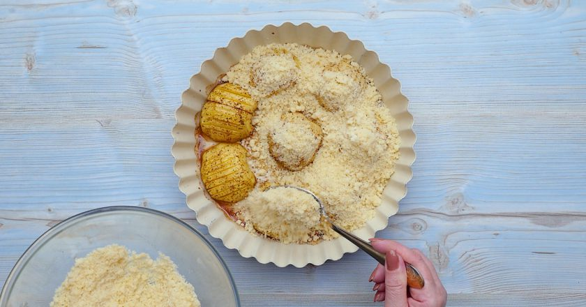 Як запекти яблука в тісті подивитися рецепт