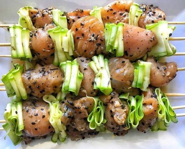 Курячі шашлички з кабачками