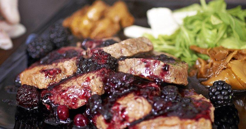М'ясо з горобиною подивитися рецепт