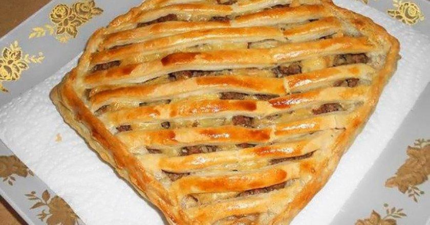 Листковий пиріг з м'ясом подивитися рецепт