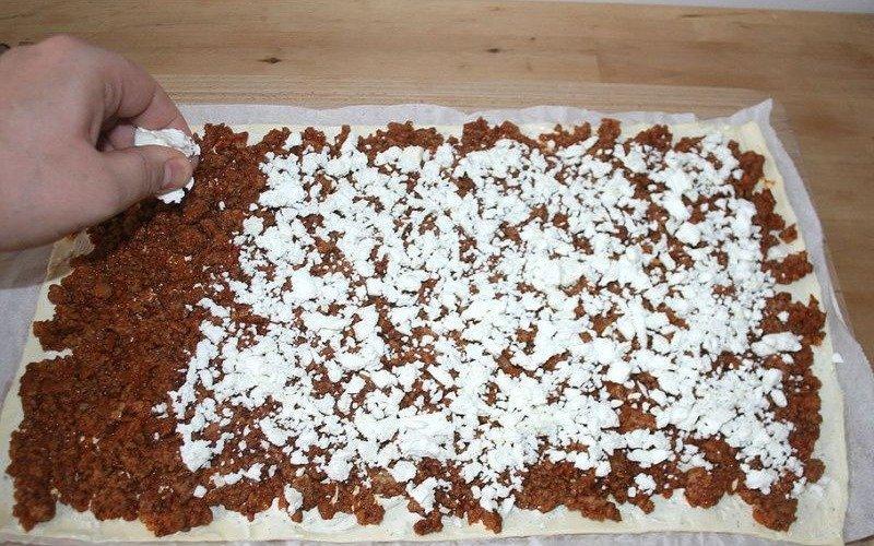 Листковий пиріг з м'ясом