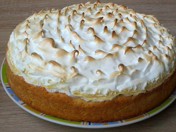 Торт «Вишня під снігом»