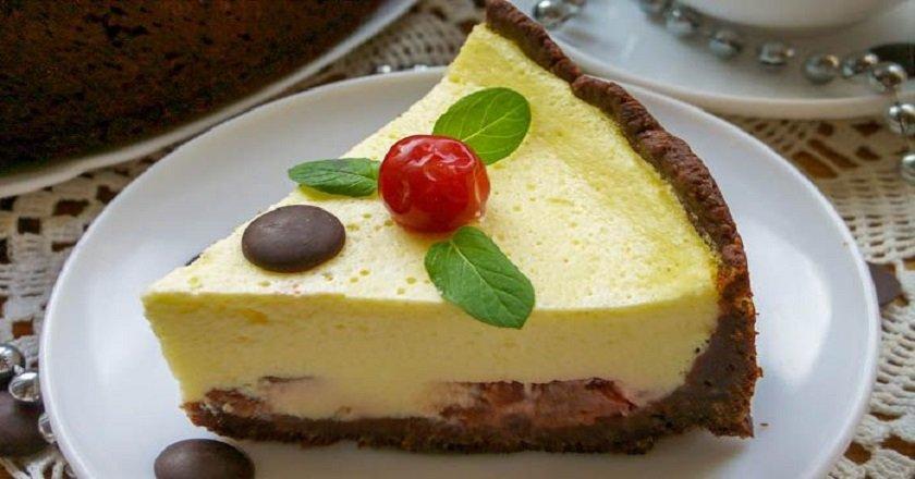 Заливний пиріг з вишнею подивитися рецепт