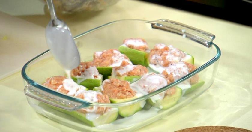 Кабачки, фаршировані рибою подивитися рецепт