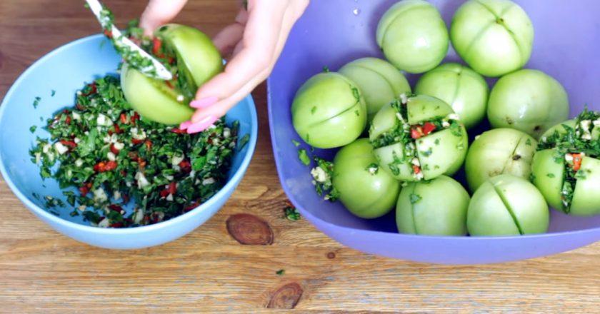 Зелені помідори на зиму подивитися рецепт