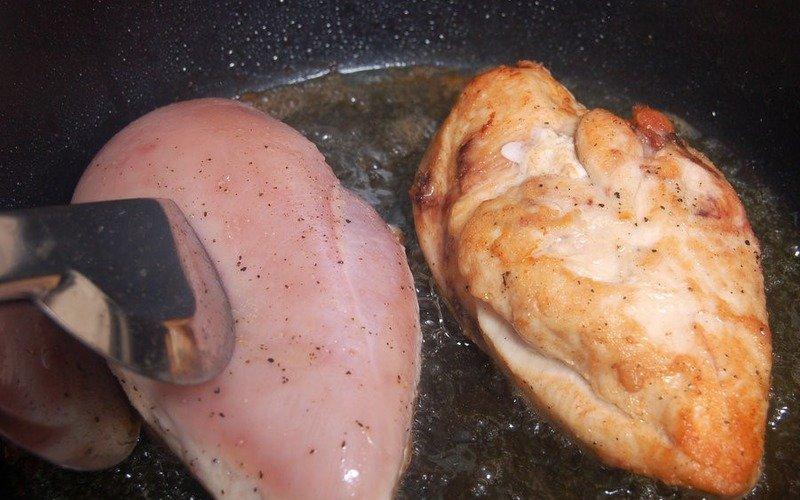 Курячі грудки з кабачками