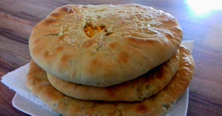 Осетинські пироги з капустою і сиром подивитися рецепт