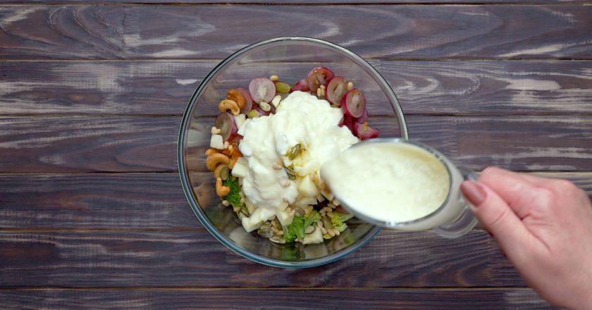 Як приготувати салат з брокколі і виноградом подивитися рецепт