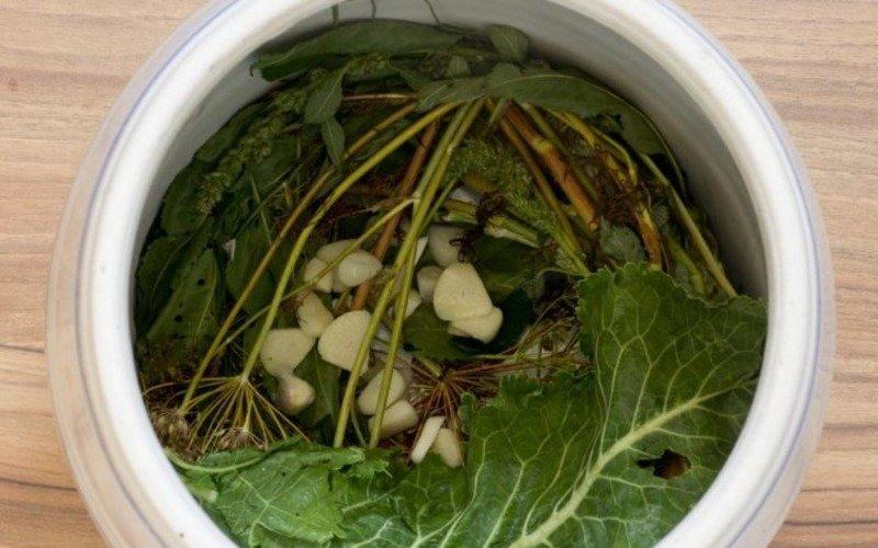 Малосольні огірки в холодному розсолі